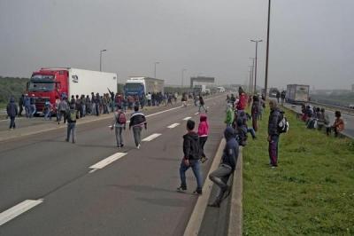 7DHT87b.jpg  Calais.jpg