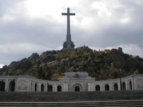 Eglise sainte croix Valle de los caidos.JPG