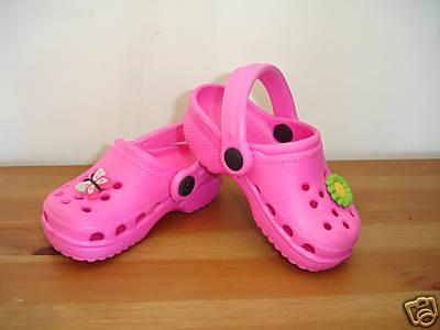 Crocs roses enfant.jpg
