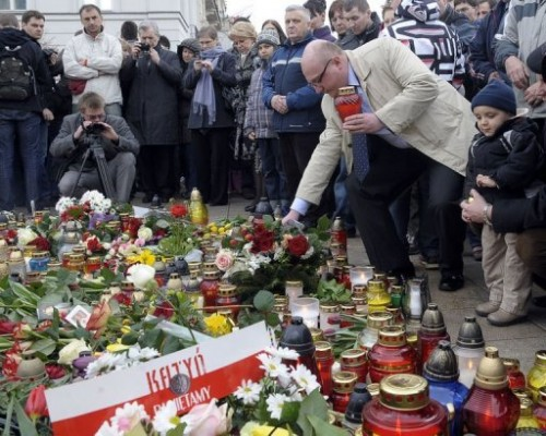 Pologne fleurs et bougies.jpg