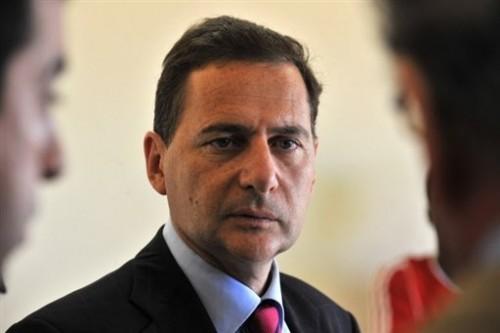 Eric Besson ministre de l'Immigration.jpg