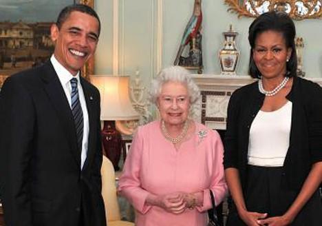 Michelle Obama trop familière.jpg