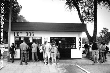 auschwitz -hotdogstand.jpg