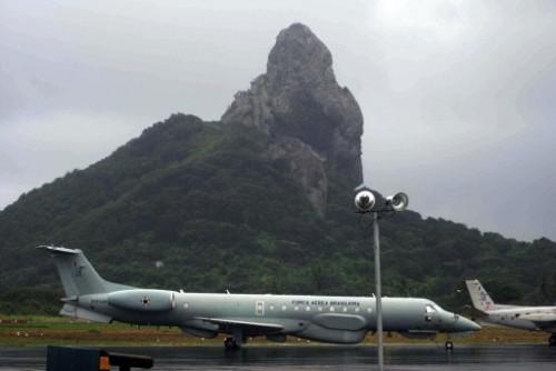 R99 brésilein sur l'aéroport de fernando do Noronha.jpg
