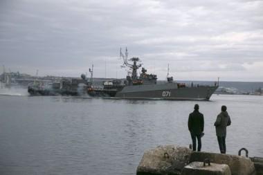 4376291_5_4fa6_une-corvette-russe-dans-le-port-de-sebastopol_862bdc5087fc112beec0b63a73d2a50f.jpg