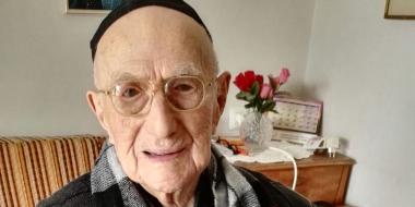 Un-survivant-de-l-Holocauste-pourrait-etre-le-plus-vieil-homme-du-monde.jpg
