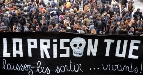 antiprison banderole.jpg