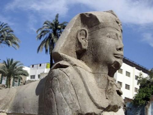 Sphinx près de Karnak.jpg