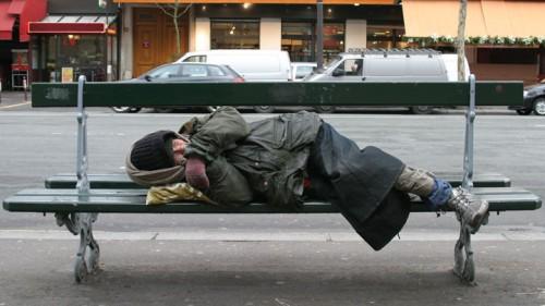 SDFmendicite-sans-abri-misere-sans-domicile-fixe-clochard-2550067.jpg