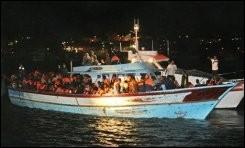 Barque clandestins Italie.jpg