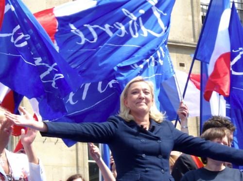 Marine-Le-Pen-la-fierte-detre-francaises.jpg