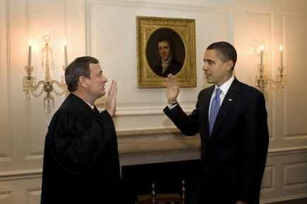 Obama 2ème serment d'investiture devant tableau.jpg