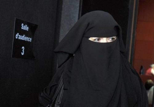 photo_1292239273248-7-0 niqab.jpg