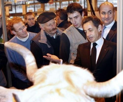 Sarkozy au salon de l'agriculture 6 mars 10.jpg