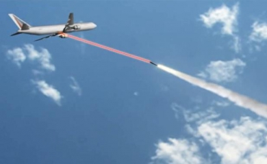 capture-ecran-video-youtube-presentant-systeme-anti-missile-avion-ligne-1643593-616x380.jpg