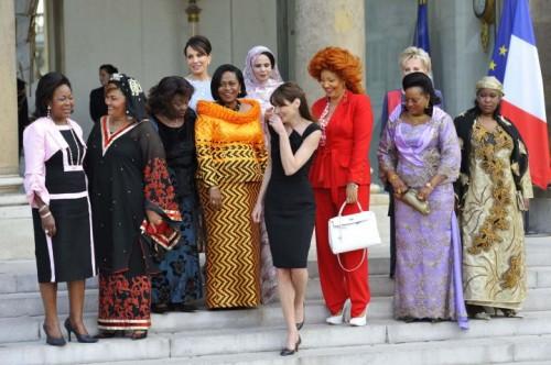 Carla Bruni et le 14 juillet africain.jpg