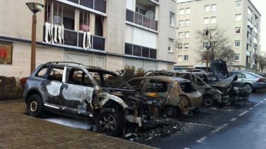 sans-titre.png voitures incendiées.png