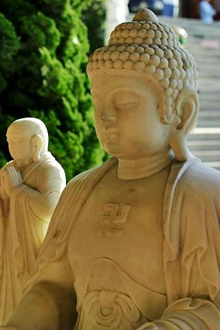 Buddha_image_-_stone_-_with_disciple.jpg