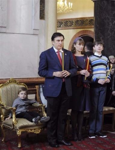 Saakachvili assiste à un office religieux à Tiblissi.jpg