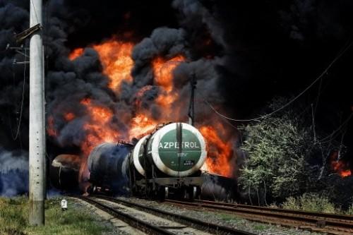 Train de gasoil en feu explosion près de Gori.jpg
