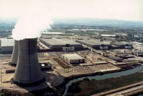 centrale nucléaire du Triscastin.jpg
