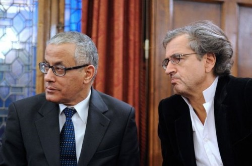 89921_bernard-henri-levy-et-le-representant-libyen-du-conseil-national-de-transition-cnt-ali-zeidan-le-22-mars-2011-a-l-hotel-raphael-a-paris.jpg