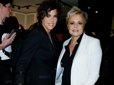 Muriel-Robin-va-jouer-avec-sa-compagne-a-la-television_exact810x609_l.jpg  Muriel Rob in.jpg