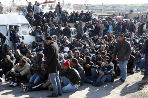 immigration-clandestins-tunisiens-sur-l-ile-italienne-de-lampedusa-REUTERS-930620_scalewidth_630.jpg
