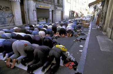 marseille-muslim-prayer.jpg