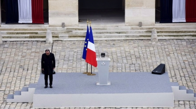hollande_aux_invalides.jpg