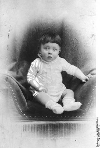 Adolf Hitler enfant.jpg