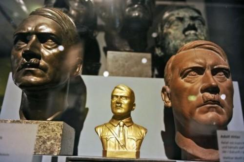 Bustes d'Hitler.jpg