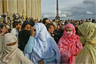 immigration_paris-copie.jpg
