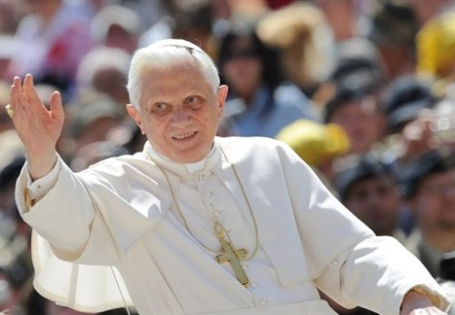 Pape place St Pierre - mai 2009.jpg