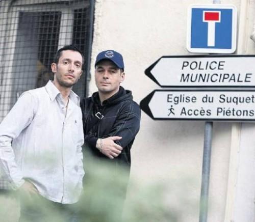 Policiers homos.jpg