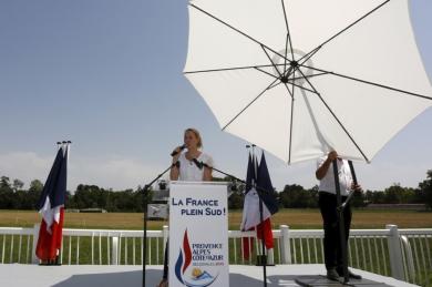 Marion-Marechal-Le-Pen-veut-une-region-bleu-blanc-rouge_article_landscape_pm_v8.jpg