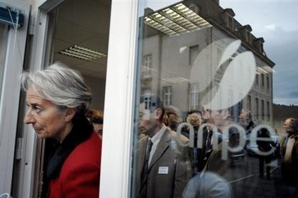 Lagarde visite une ANPE.jpg