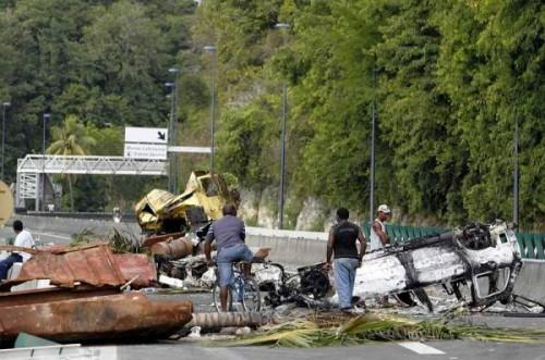 Antilles barrages routiers.jpg