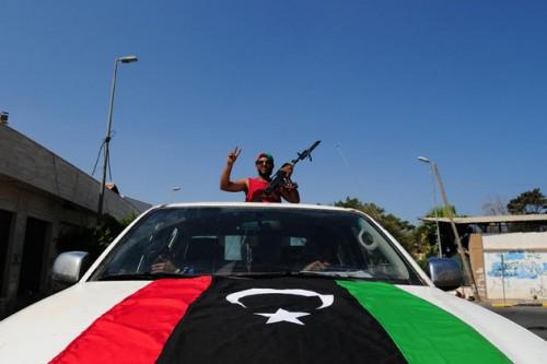 26_08_Libye_Tripoli_Rebelle_930_620_scalewidth_630.jpg