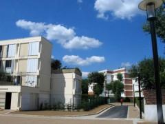 Collège à Trappes.jpg