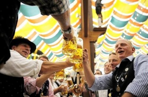 Fête de la bière - chopes.jpg
