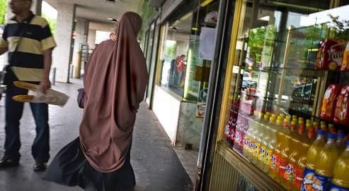 Burqa à Vénissieux.jpg