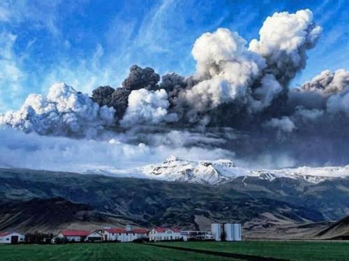Eruption XXX.jpg