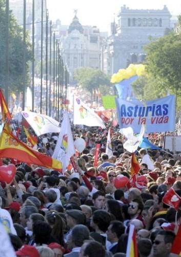 anti avortement Madrid foule.jpg