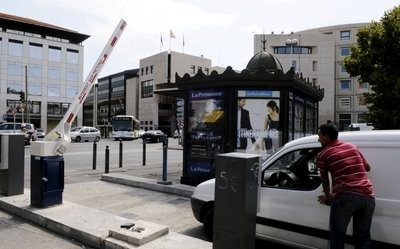 2011080219350482_7.jpg parking Marseille.jpg