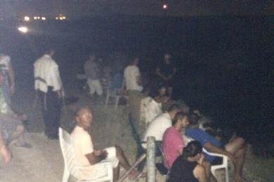 Des-Isra-liens-suivent-les-bombardements-de-Gaza-sur-des-chaises-de-jardin-Sderot-.jpg