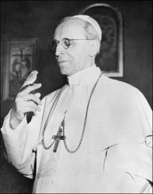 Pie XII 26 nov 1955.jpg
