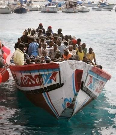 Espagne barque d'immigrants.jpg