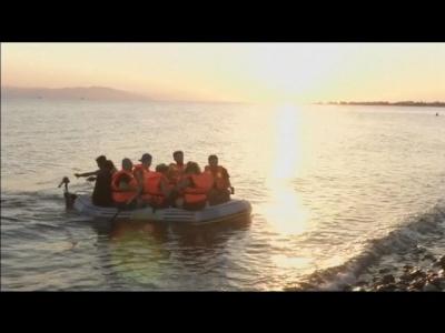 grece-les-migrants-affluent-aussi-sur-les-iles-touristiques-youtube-thumbnail.jpg