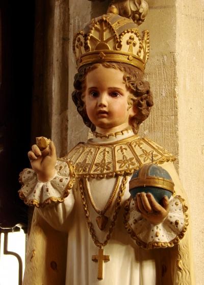 Enfant_Jésus_de_Prague_Joinville_200908_2.jpg